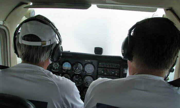 2 בית הספר לטיסה Moonair בשדה התעופה הרצליה - טייס ליום אחד ליחיד או לזוג
