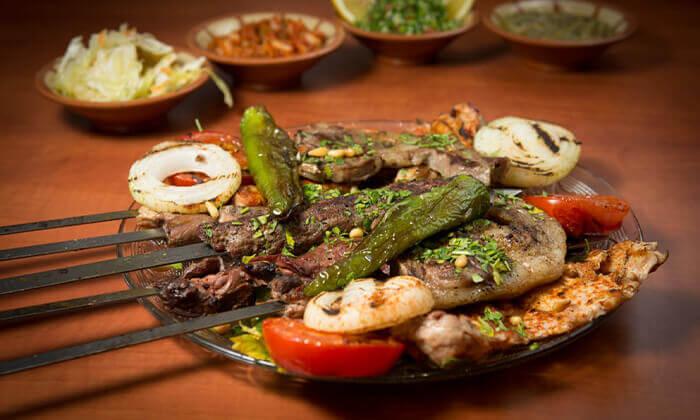 4 המסעדה הלבנונית אבו גוש בשפיים - ארוחה לזוג