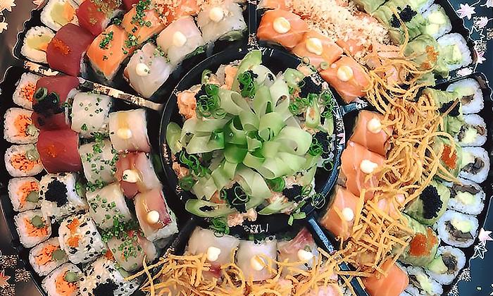 2 מסעדת Umami בשוק הכרמל - מגשי סושי עם 64, 96 או 104 יחידות