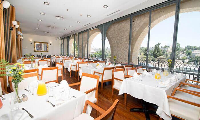 8 מסעדת מונטיפיורי בירושלים - ארוחה זוגית כשרה