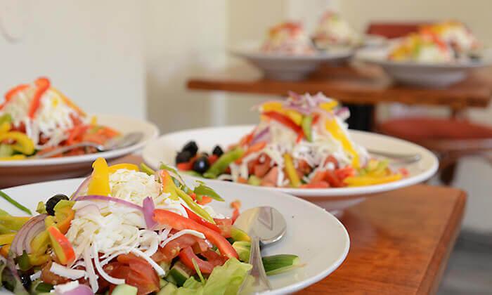 3 ארוחה כשרה לזוג במסעדת אגס ותפוח הירושלמית, כיכר ספרא