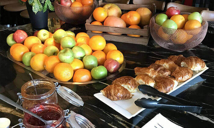 9 ארוחת בוקר במלון Ultra, תל אביב