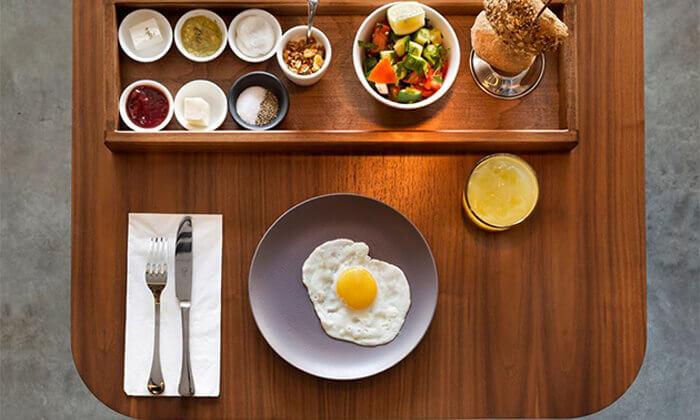 2 ארוחת בוקר במלון Ultra, תל אביב