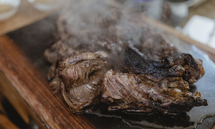 6 מבשלים חוויה ביפו - ערב הכולל בשר, אלכוהול וסדנת נתח קצבים
