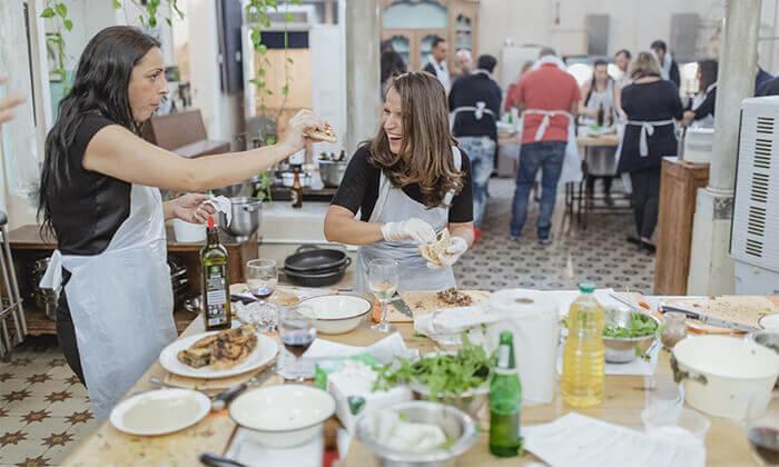 7 מבשלים חוויה ביפו - ערב הכולל בשר, אלכוהול וסדנת נתח קצבים
