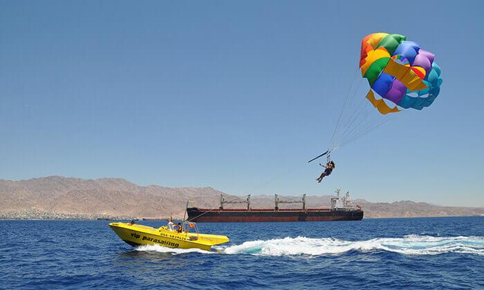 2 אטרקציה לחופש הגדול: רחיפה במצנח ימי באילת