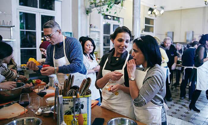 16 מבשלים חוויה בתל אביב - סדנה לבחירה ליחיד, זוג או רביעייה