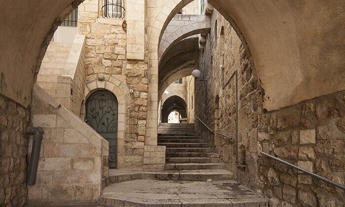 7 ג'רוזלם סיטי טור - סיור באוטובוס קומותיים פתוח בירושלים