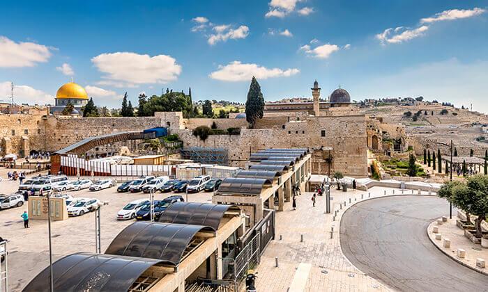 9 ג'רוזלם סיטי טור - סיור באוטובוס קומותיים פתוח בירושלים