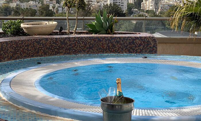 2 ספא סיטי טאוור במלון לאונרדו, רמת גן - יום פינוק ליחיד או לזוג