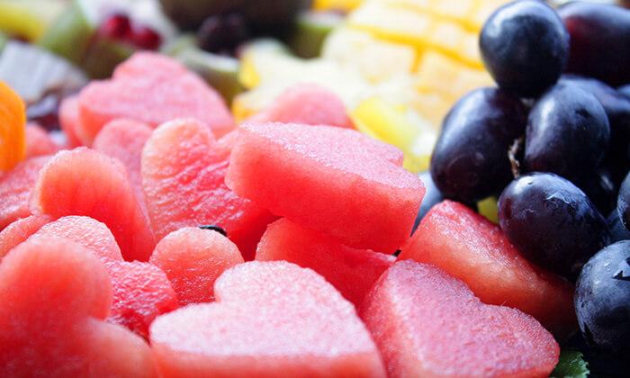 4 סלסלות ומגשי פירות, פרי היופי
