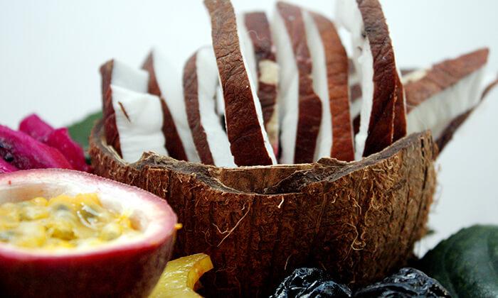 11 סלסלות ומגשי פירות, פרי היופי