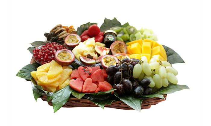 9 סלסלות ומגשי פירות, פרי היופי