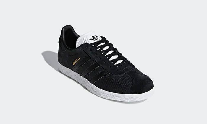 15 נעלי סניקרס adidas דגם Gazelle במבחר צבעים