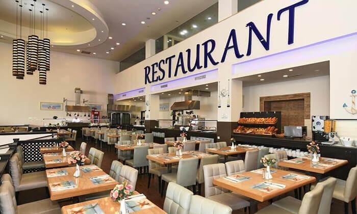 4 מלון לה פלאיה באילת - יום כיף ליחיד כולל ארוחת בוקר ובריכה