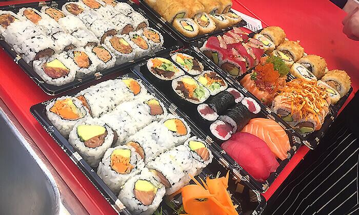 4 ארוחה אסייתית זוגית כשרה בטייק אוויי או משלוח ממסעדת NUCHI, תל אביב