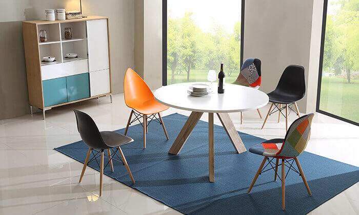 3 שולחן עגול בעל 3 רגליים