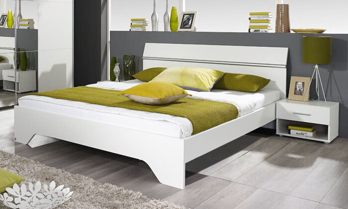 6 שמרת הזורע: מיטה זוגית ושידות לילה תואמות