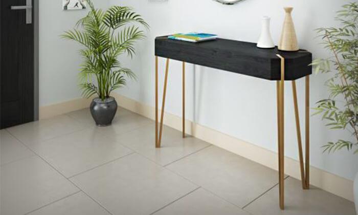 4 שולחן כניסה