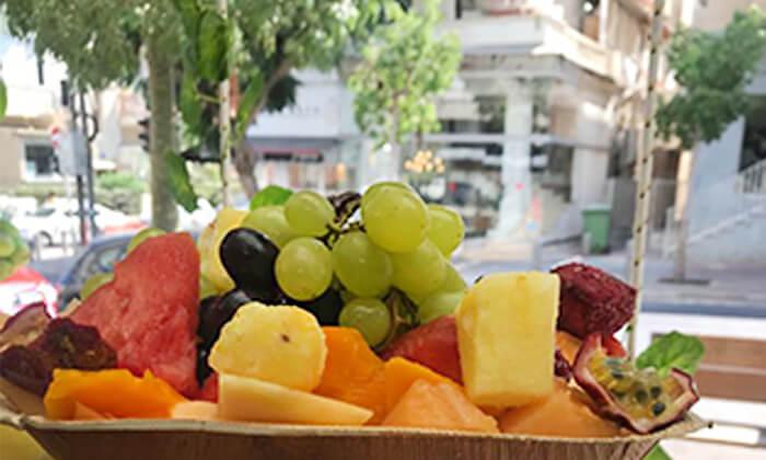 4 מגש פירות, מיצי בוגרשוב