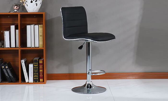 2 כיסא בר דמוי עור