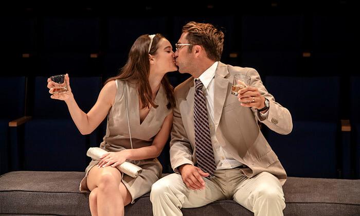 3 כרטיס להצגה 'מי מפחד מוירג'יניה וולף?', תיאטרון הבימה