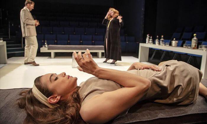 6 כרטיס להצגה 'מי מפחד מוירג'יניה וולף?', תיאטרון הבימה
