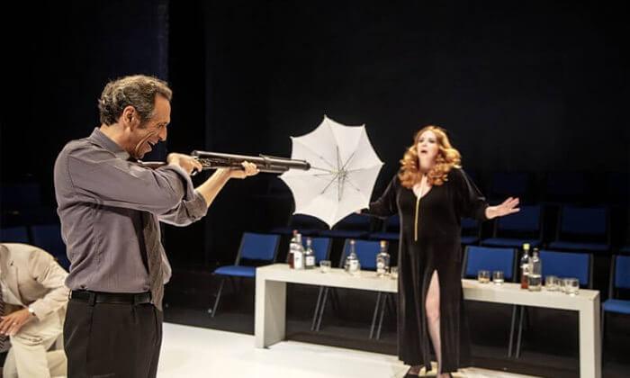 4 כרטיס להצגה 'מי מפחד מוירג'יניה וולף?', תיאטרון הבימה