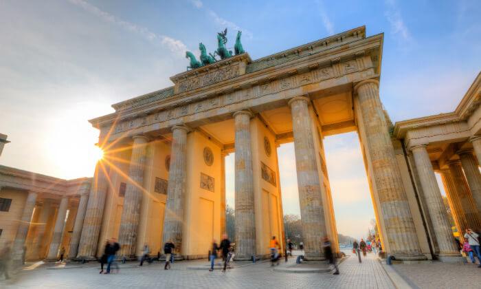 4 האתרים הכי שווים - סיור מקיף בברלין ברגל וברכב