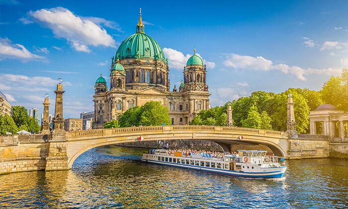 9 האתרים הכי שווים - סיור מקיף בברלין ברגל וברכב