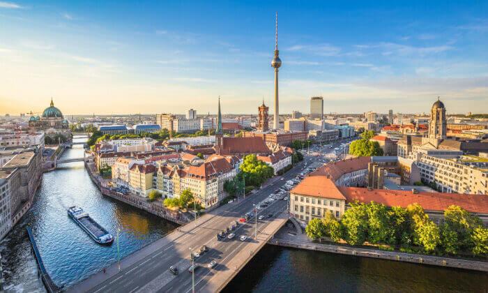 6 טיולים שונים ברכב בברלין והסביבה - הדרכה בעברית