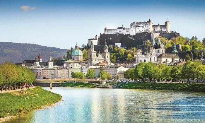 6 טיול מאורגן באוסטריה - כולל אגם כימזה, שייט וארמון לודוויג השני