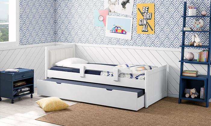 5 שמרת הזורע: מיטת ילדים עם ראש מרופד 'מסטיק'