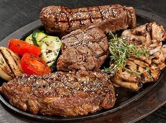 ארוחת פלטת בשרים לזוג-פאפאגאיו
