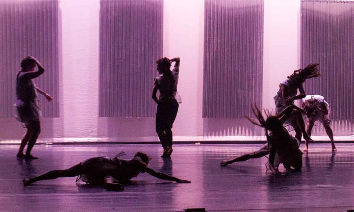 5 'השתיקה' של להקת קולבן דאנס, מרכז סוזן דלל