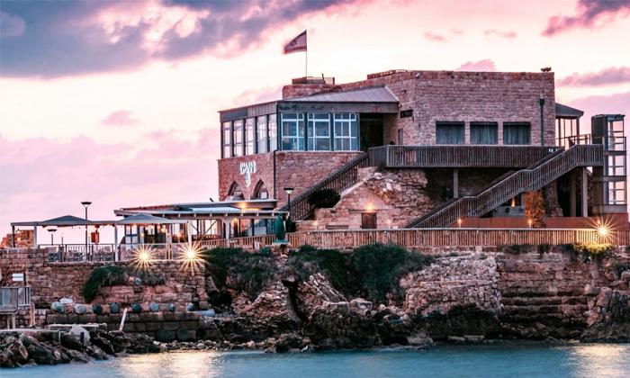 11 מסעדת לימאני ביסטרו, נמל קיסריה