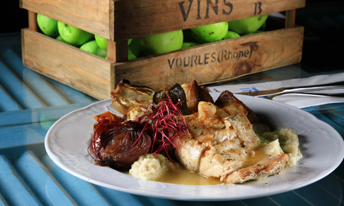 7 מסעדת לימאני ביסטרו, נמל קיסריה