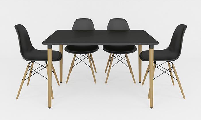 4 שולחן אוכל וארבעה כיסאות