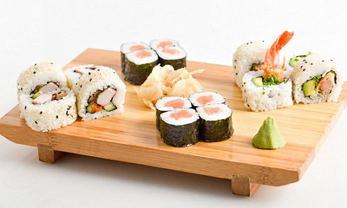 5 מגש סושי במשלוח או טייק אוויי ממסעדת יוקו סושי בתל אביב