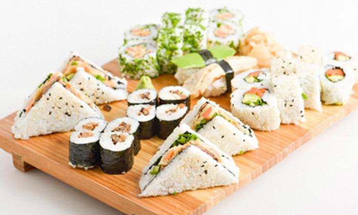 3 מגש סושי במשלוח או טייק אוויי ממסעדת יוקו סושי בתל אביב