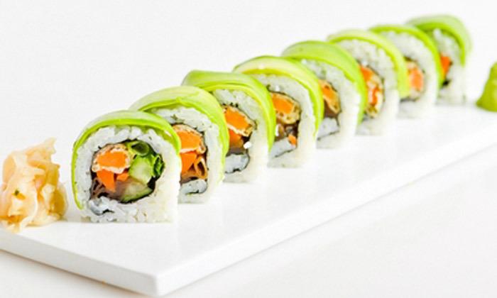 2 מגש סושי במשלוח או טייק אוויי ממסעדת יוקו סושי בתל אביב