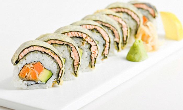 6 מגש סושי במשלוח או טייק אוויי ממסעדת יוקו סושי בתל אביב