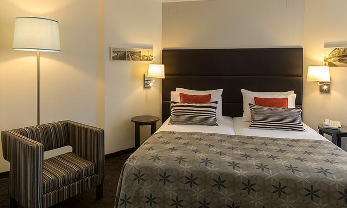 """3 חופשה זוגית במלון מטרופוליטן תל אביב, כולל סופ""""ש ושבועות"""