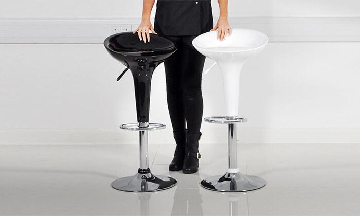 2 כיסא בר עם מושב פלסטיק