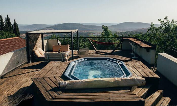 2 חופשה רומנטית בגג הגליל, אמירים