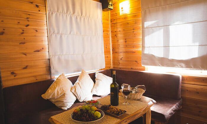 5 חופשה רומנטית בגג הגליל, אמירים