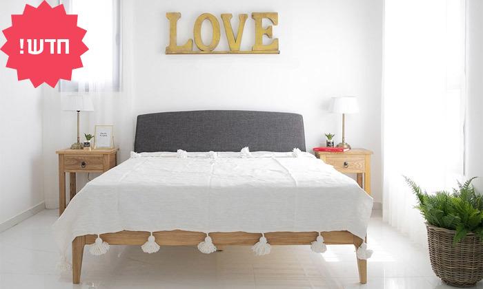 4 מיטה זוגית מעץ מלא עם ראש מיטה מרופד