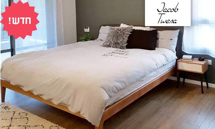 2 מיטה זוגית מעץ מלא עם ראש מיטה מרופד