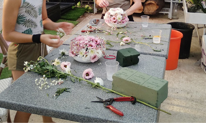 4 סדנת שזירת זרי פרחים לראש, רעננה