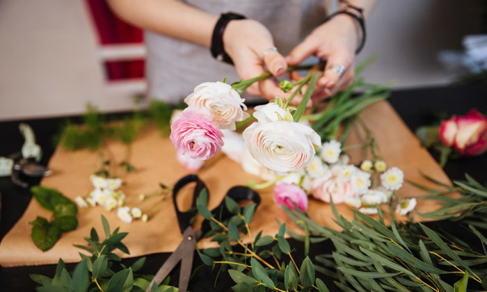 2 סדנת שזירת זרי פרחים לראש, רעננה
